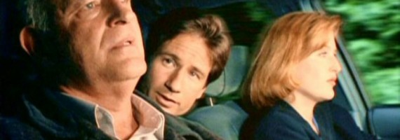 Clyde_Bruckman_travels_with_Fox_Mulder_and_Dana_Scully
